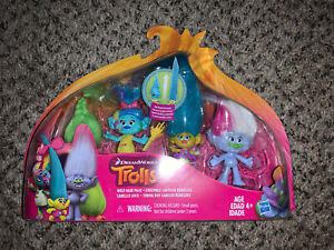 Trolls DreamWorks Wild Hair Pack Includes 4 Trolls 2 Accessories Toy Figures