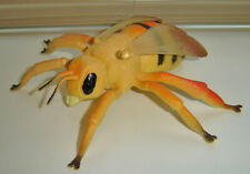 """VINTAGE LARGE 6.5"""" WASP HORNET PLASTIC TOY INSECT FIGURINE"""
