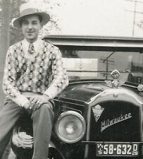 VINTAGE MOTOMETER CLASSIC CAR HOOD ORNAMENT MILWAUKEE WI LICENSE PLT 1929 PHOTO