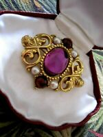Pretty Vintage Gold Tone Amethyst Glass Faux Pearl Pin Brooch