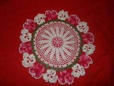 VINTAGE BEAUTIFUL ROUND HAND CROCHET DOILY W/ROSES 17""
