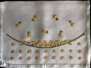 BEAUTIFUL VINTAGE LINEN HAND EMBROIDERED NIGHTDRESS CASE~DAISY MEADOW
