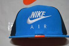 BNWT Uomo Nike Snap Nero True Air Blu/Nero Cap Hat con bianco ricamato L