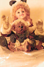 Boyds Bears Kimberly With Klaus.Special Delivery Premier Edition Retired 2000