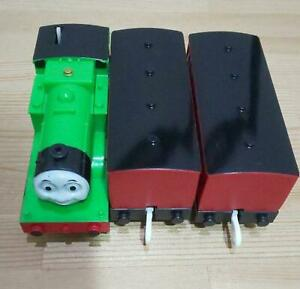 Tomy Plarail Thomas & Friends Oliver Trackmaster Train and Coaches Set Working