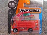 Matchbox 2016 # 011/125 MBX V. A.N.Nourriture Camion Rouge Aventure City Cas E