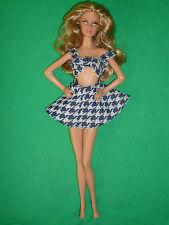 Una Barbie/Teen Dimensione Moda ~ vintage fatto in casa Tagliato Mini Abito ~ NO BAMBOLA