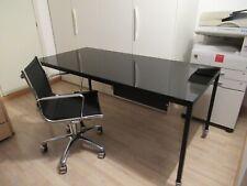 tavolo scrivania DESALTO collezione HELSINKY e sedia ALIAS modello ROLLING FRAME