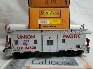 2001 MTH RAILKING #30-7749 UNION PACIFIC BAY WINDOW CABOOSE No. 24528 - TESTED