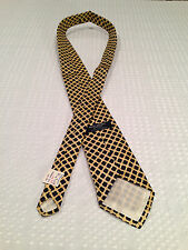 VINTAGE 1970's New With Tags BROOKS BROTHERS 100% Silk Yellow Pattern Men's Tie