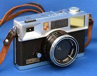YASHICA Flash-O-Set 35mm Vintage Film Camera YASHINON f/4 40mm Lens CLEAN