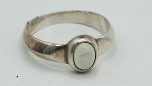 925 Silver Frosted Glass Ring Size 9 3.2g AET435