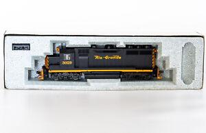 HO KATO D&RGW EMD GP35 Phase Ib #3029 Rio Grande Diesel Locomotive 37-049