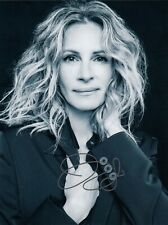 Julia Roberts Signed  8x10 auto photo in Excellent Condition