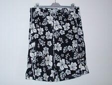 Onfire Men's Floral Black Shorts Size 30