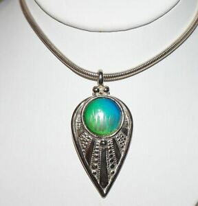 Vintage Contemporary Teardrop Modernist Pendant Silver Tone Snake Chain Necklace