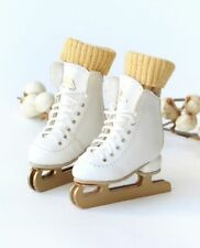 ICE SKATES PURE WHITE Lati Yellow Blythe Momoko Pullip 1/8bjd L3.5 W1.9 H4.8cm