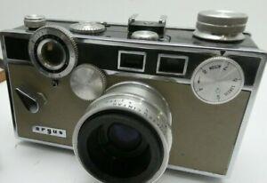 ARGUS C3 TAN 35mm FILM CAMERA