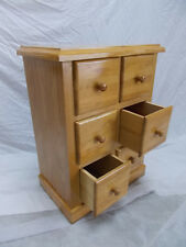 Furniture chest of drawers. 6 drawers. Varnished colour Oak. Wood solid, 72 cms