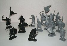 Crusaders vs Saracens playset 1/32 60mm toy soldiers. 12 poses + MOUNTED knight