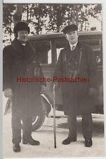 (F13116) Orig. Foto Herren mit Fernglas u. Ohrenschützer vor Automobil 1930