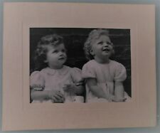 PHOTO D'ART DE 1952 .ENFANT.ADMIRATION DE G.TEISENTZ .23x17 cm. SNAPSHOT VINTAGE