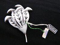 VTG CROWN TRIFARI Silver Tone White Enamel Flower Pin Brooch with Tags