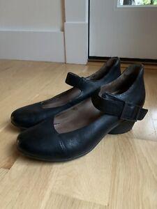 DANSKO ROXANNE Comfort Shoes Black Leather Size 39 8.5 8 1/2 Ankle Strap Hook