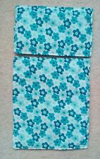 """DOLLS PRAM COT  QUILT SET WHITE WITH BLUE DAISY /  DASIES10"""" x 12"""" NEW"""