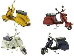 57584 Bomboniera compleanno Vespa moto scooter resina 5,5 cm art