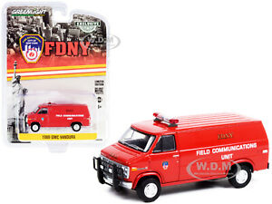 1989 GMC VANDURA RED FDNY NEW YORK CITY FIRE DEPT. 1/64 DIECAST GREENLIGHT 30277