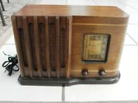 Vintage SENTINEL model # 10- 248T442 Looks RESTORED VINTAGE RADIO works great