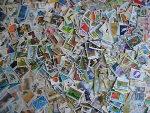 Australia scrap pile 875 stamps, some mint (duplicates, mixed condition)