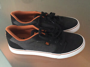 DC men's skate shoes sneakers size US 10 UK 9 NEW