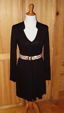 Collared Vneck, long sleeve, knee length dress, super cute with/without a belt