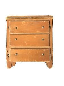 VINTAGE WOOD CHILD's  TOY DOLL DRESSER CHEST OF DRAWERS