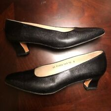 Salvatore Ferragamo Shoes Women's 10 B Black Textured Almond Toe Heels Pumps