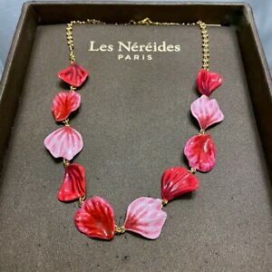 LES NEREIDES ROSE PETALS COLLAR NECKLACE