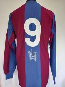 Barcelona Number 9 Home Retro Shirt Signed By Johan Cruyff With Guarantee