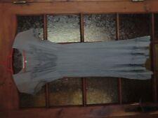Robe 100% soie grise Taille 38 La Fée Maraboutée