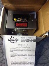 DWYER AP-153-33 PRESSURE SWITCH 120/240VAC/DC  *NEW IN A BOX*
