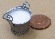 1:12 SCALA Piccolo metallo Secchio di latte Casa delle Bambole Accessorio Miniatura Cibo Bere