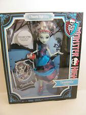 Monster High Threadarella Frankie Stein  Scarily Ever After     **New in Box**