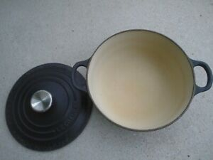 Le Creuset Blue No. 20 Enameled Cast Iron Dutch Oven 2-1/2 Quarts Made In France