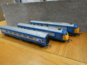 OO Gauge Triang Blue Pullman Drive Car Dummy & centre coach Spares or repairs