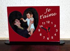 Horloge de bureau personnalisée 1 coeur photo sur fond couleur rouge avec texte