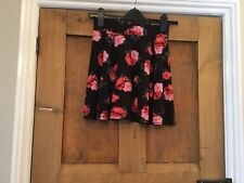 Ladies H&M Divided Black Floral Skirt. Size XS