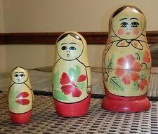 Russian nesting matryoshka dolls (set of 3)