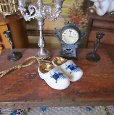 Antique Miniature PORCELAIN HOLLAND SHOES Hand Painted Dollhouse Gold Souvenir