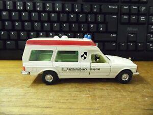 Corgi Bonna 2500 Ambulance St Bartholomews Hospital die cast car ambulance